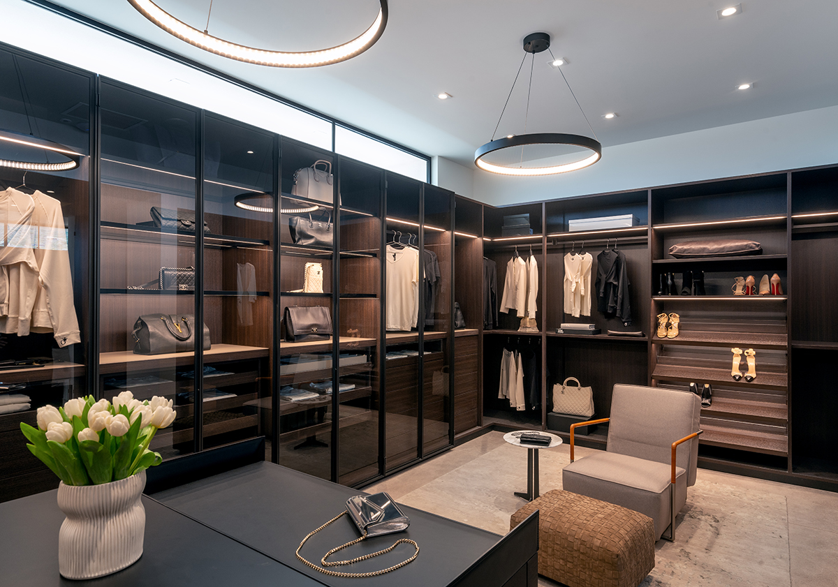 ICONIC HAUS Master Closet by Space Bazaar