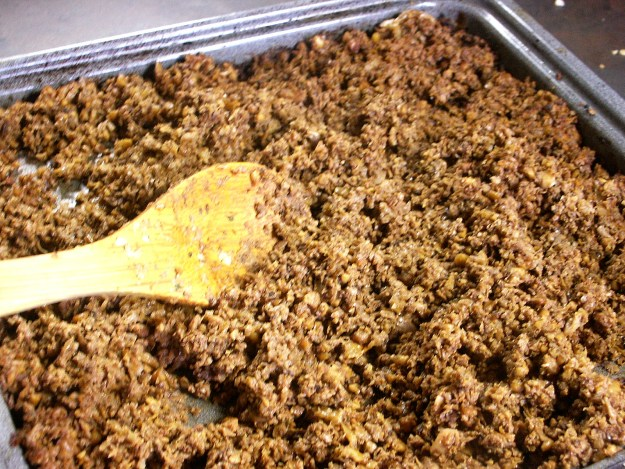 Veggie meat crumbles vegan ground meat i cook and paint i adapted this recipe for an all plant based hamburger meat because i thought it would be fun i still eat ground meat but i enjoy this new type of forumfinder Images