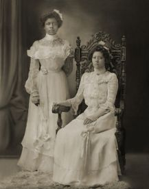 Jessie Mae Harris's maternal aunt, Cora Muldrow, and her mother, Mary Muldrow, circa 1900. Courtesy The Mildred Harris Jackson Collection