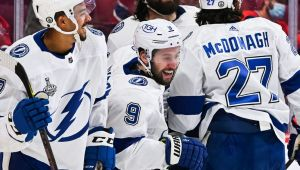 Lightning families can't go to Canada to celebrate