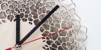 Asymmetree-Giraffe-Clock-Voronoi-Pattern