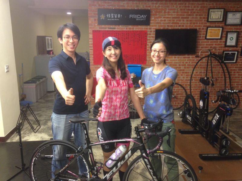 欣女孩 小D 坐墊SQ lab-611 race Team實測分享-欣單車-單車讓生活更精采-欣傳媒運動頻道