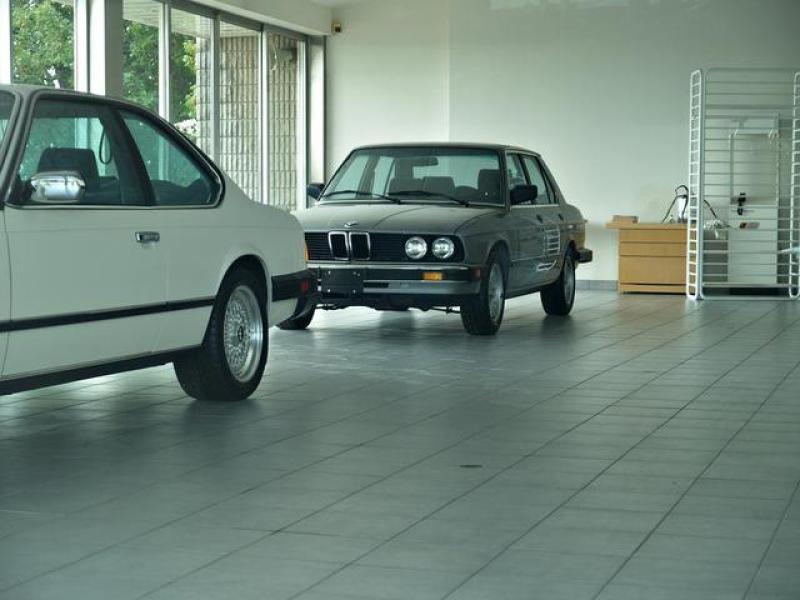 1989 yılında terk edilen BMW bayisi