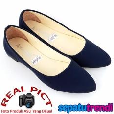 TrendiShoes Sepatu Wanita Flat Shoes Elegan SO01 - Navy