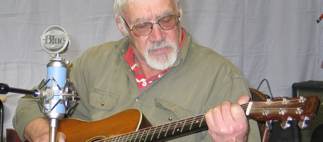 JOHN THOMSEN'S HUMOR AND FOLK SONGS PROVIDE TIMELESS ENTERTAINMENT