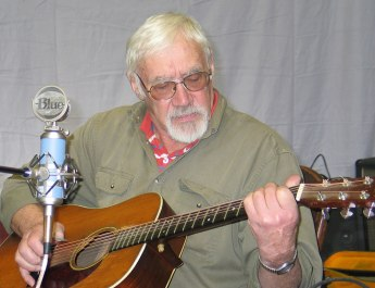Musician John Thomsen playing folk music