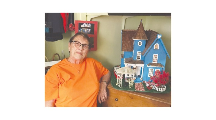 ISI - Joyce Steffens and her mini dollhouse