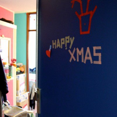 Xmas Ida DIY #3: decorated door