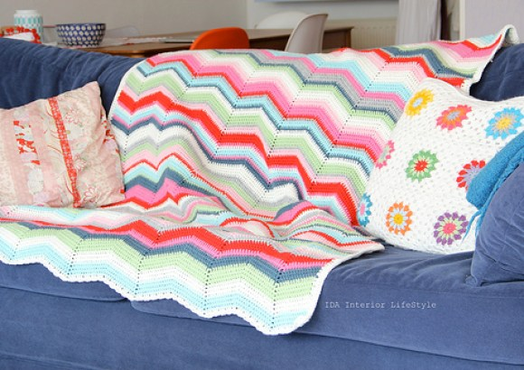 Cosy ripple blanket