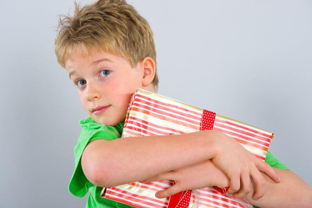 Чем поздравить мальчика 5 лет