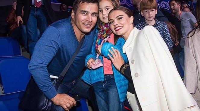 Алина Кабаева и ее дети фото 2020