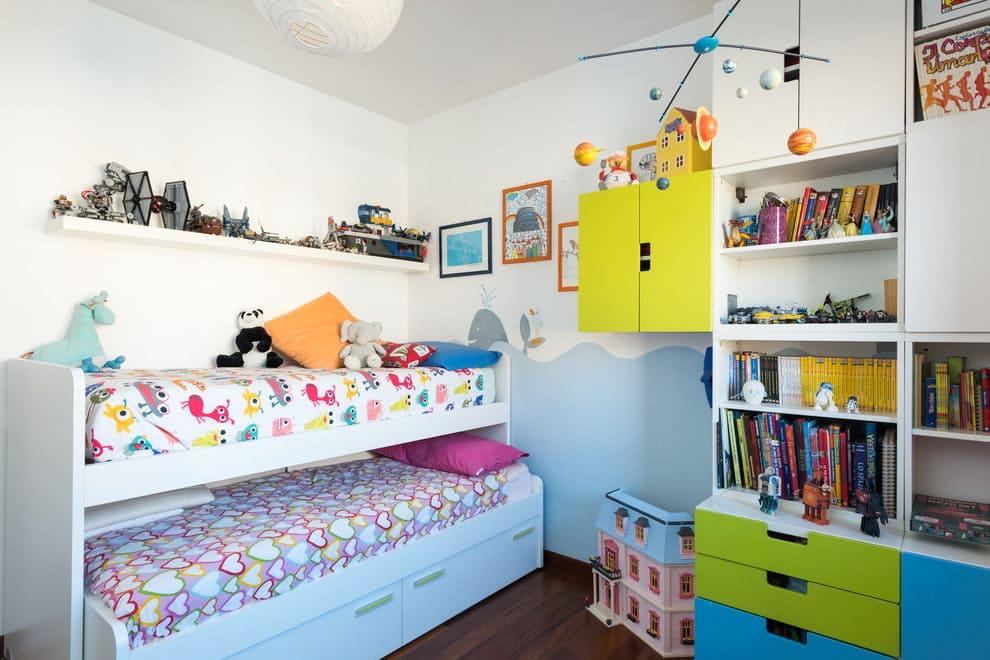 Разноцветные детские комнаты