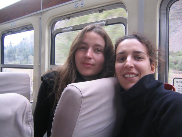céline et moi dans le train pour aguas calientes
