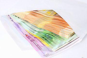 billets-de-banque-sous-enveloppe-thumb20924289-copie-1.jpg