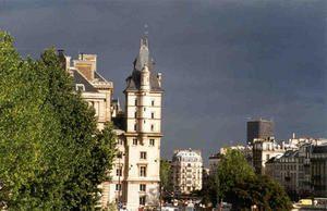 racontage-d-images-de-parisconciergerie-orage.jpg