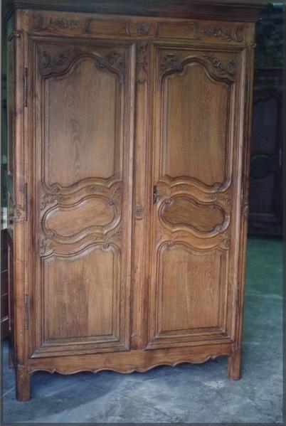 fabrication d une armoire avec 2 portes anciennes