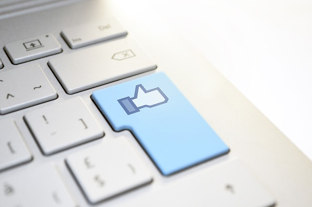 Facebook Marketing - Iris Carter-Collins, Speaker and Coach