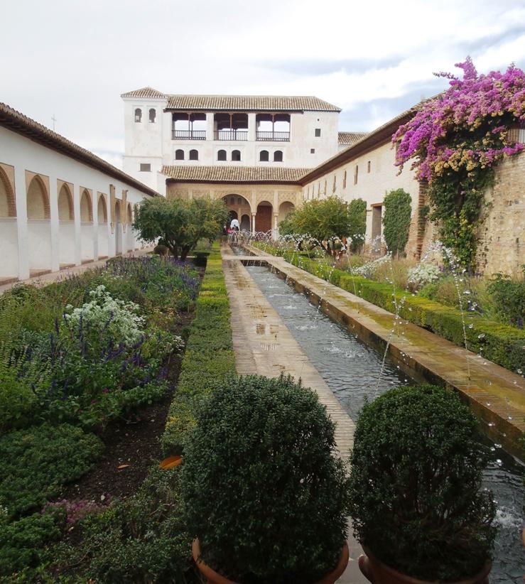 Alhambra sepenggal sejarah islam di eropa dari benteng terakhir di andalusia spanyol