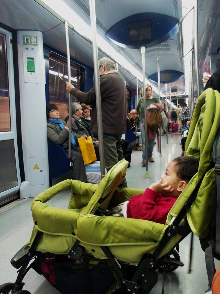 transportasi umum kota madrid spanyol