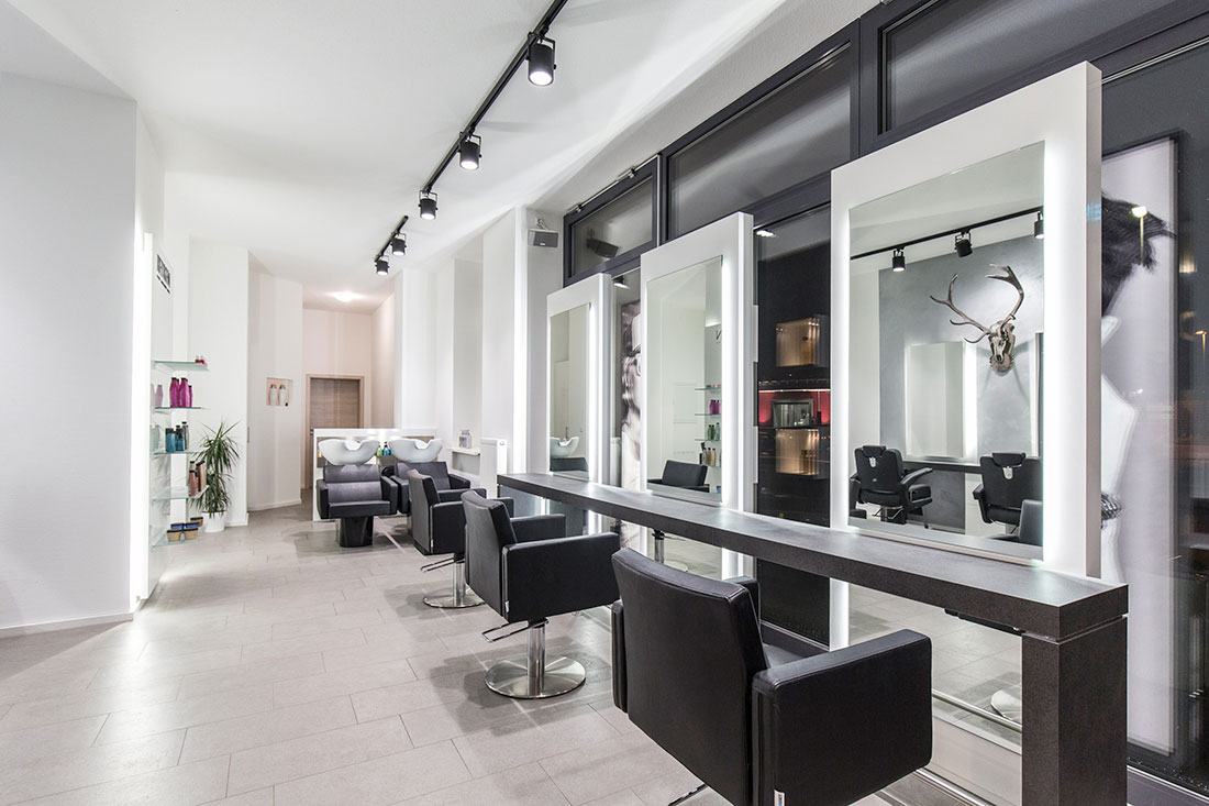 Friseureinrichtung, Friseurbedarf, Friseurstuhl, Friseurspiegel, Bedienplatz