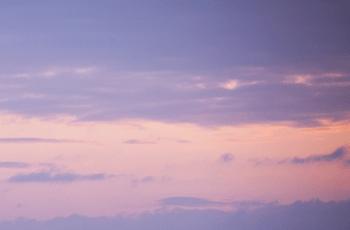 明け方の空の雲