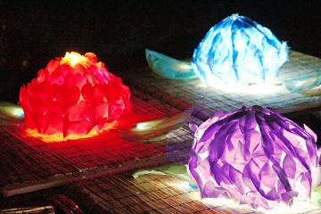 花の形の灯籠