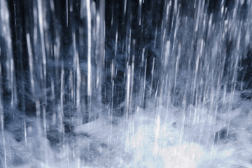 滝の水しぶき