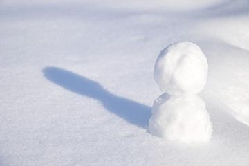 雪だるまと影