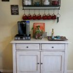 60 Amazing Mini Coffee Bar Ideas for Your Home (26)