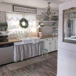 37 Farmhouse Wall Decor Ideas for Kitchen (34)