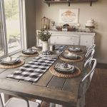 51 Farmhouse Wall Decor Ideas for Dinning Room (37)