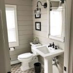 59 Best Farmhouse Wall Decor Ideas for Bathroom (13)