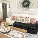 75 Best Farmhouse Wall Decor Ideas for Living Room (72)