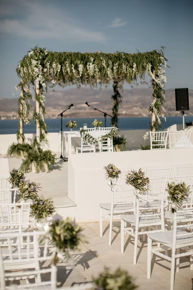 Prosecco Bar Corner at a wedding in Antiparos