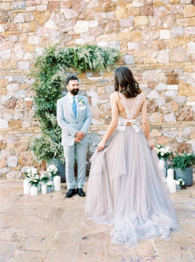 Moody and romantic styled shoot in Athens