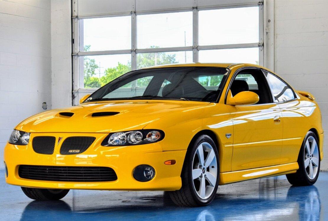 2005 pontiac gto yellow