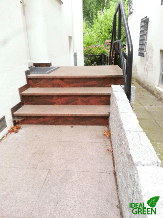 Treppe-Front