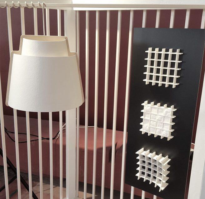 Lampunvarjostin (Sukarwood Ltd) ja seinästruktuurit selluloosasta (VTT , design Heidi Turunen).