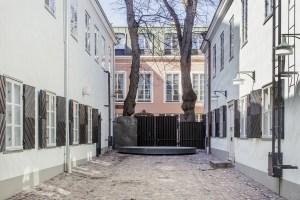 Falkmanin piha Helsingin kaupunginmuseossa. Kuva: Maija Astikainen / Helsingin Kaupunginmuseo
