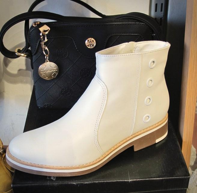 Mec Shoe 51 kenkävalikoimaa.