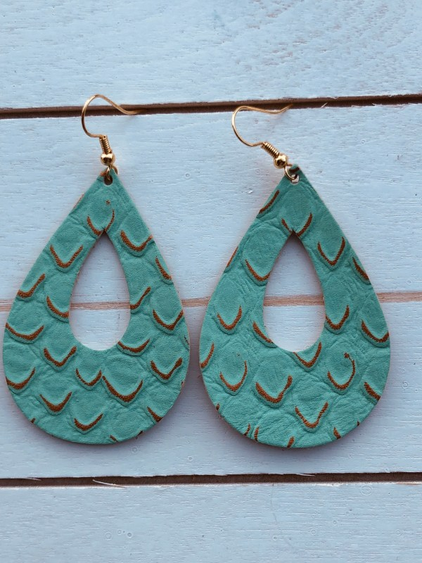 Aqua with Gold Hollow Raindrops Collection