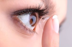 differences between optometrist and ophthalmologist