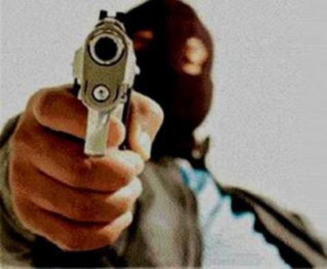 Resultado de imagem para dois bandidos armados