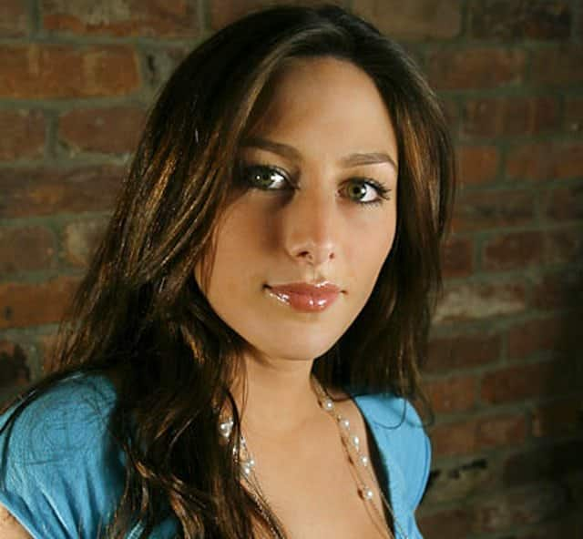 Stacey Lauren - Founder of Kind Label