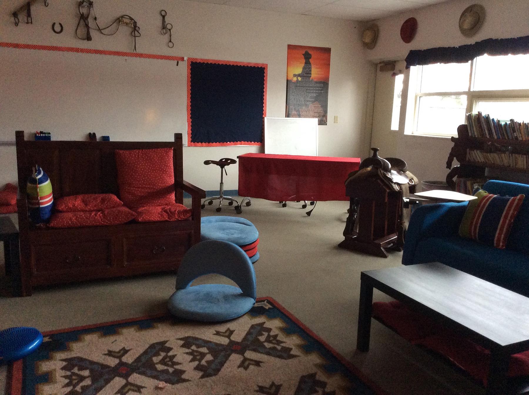 Living Room Chairs Wheels