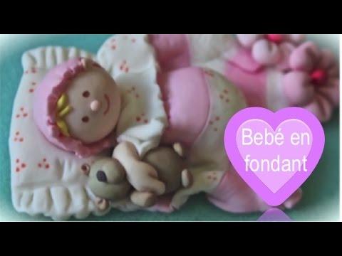 Bebé modelado en fondant
