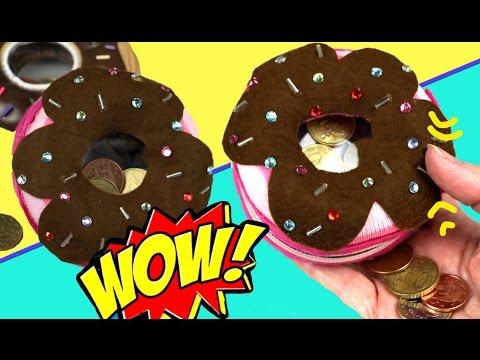 Hacemos un donut monedero reciclando un calcetín y bolsas de plástico