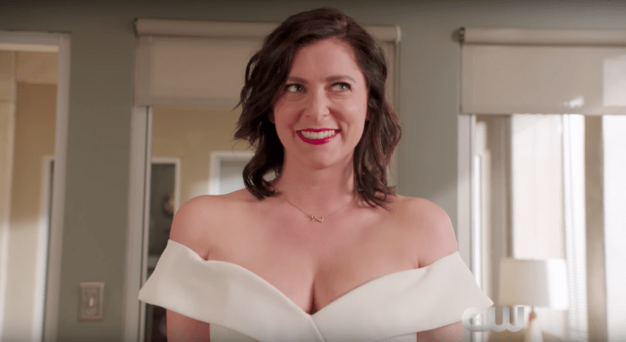 crazy-ex-girlfriend-season-3-trailer-700x383.png