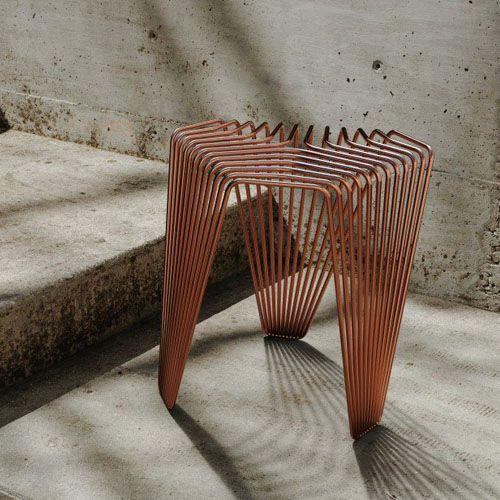 Taburete Vague diseñado por Rodrigo Erthal