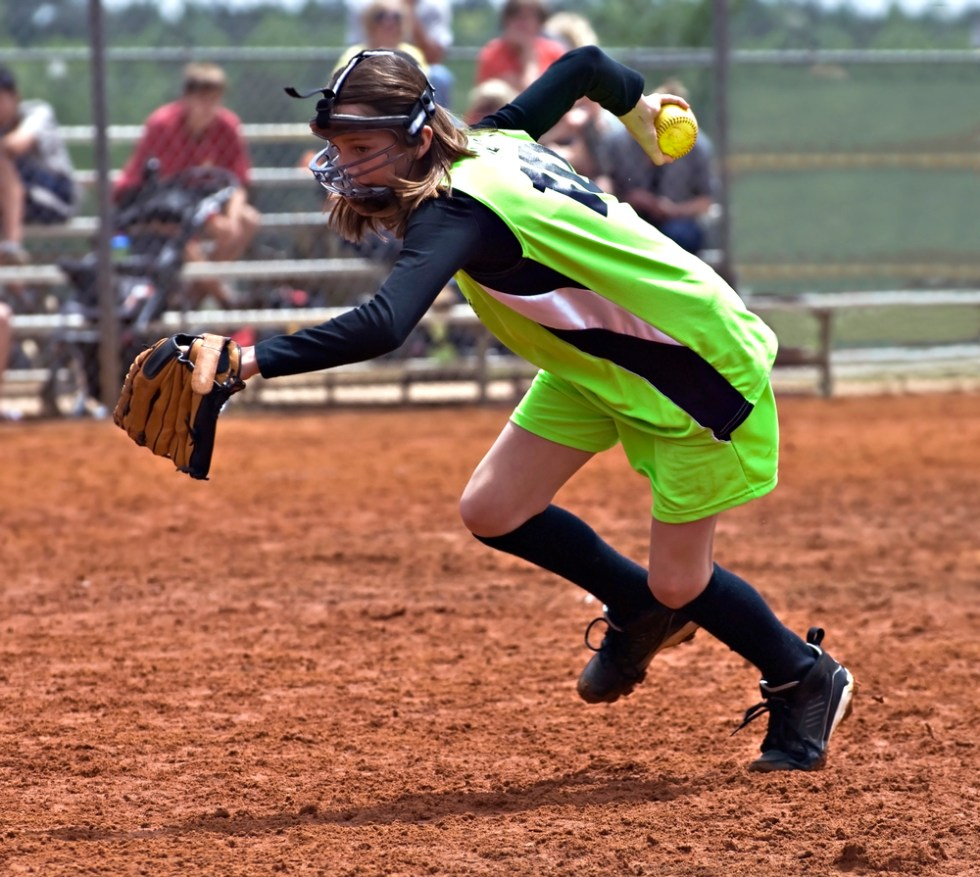 Baseball And Softball Team Names That Hit It Out Of The Park, softball player fielding
